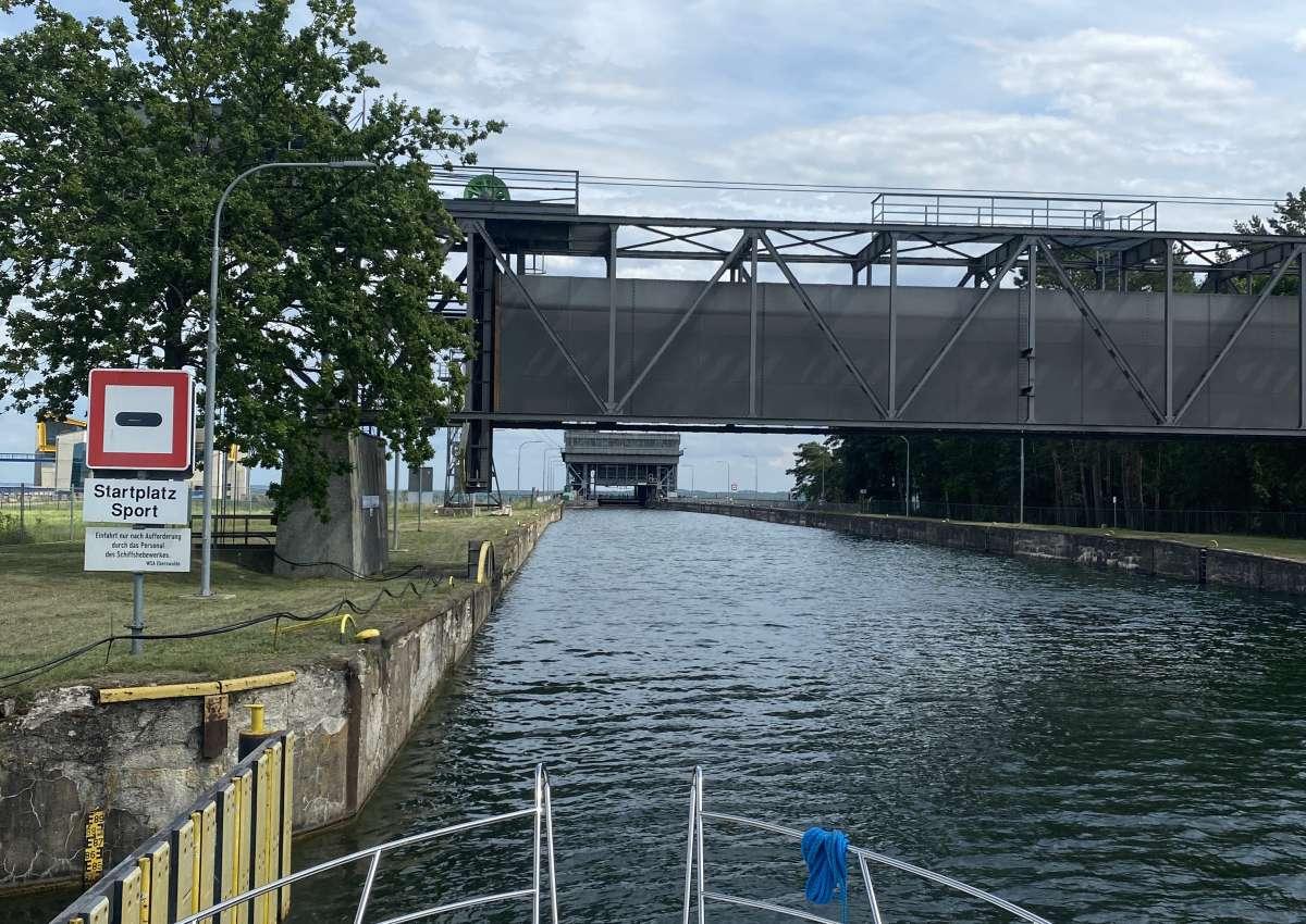 Schiffshebewerk Niederfinow - Navinfo bei Niederfinow