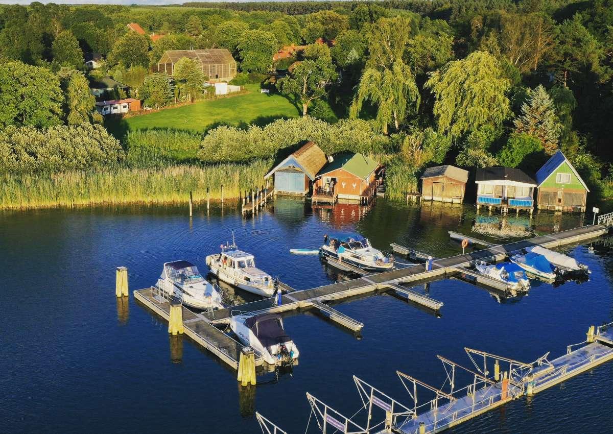 Fischerei Damerow - Marina près de Jabel