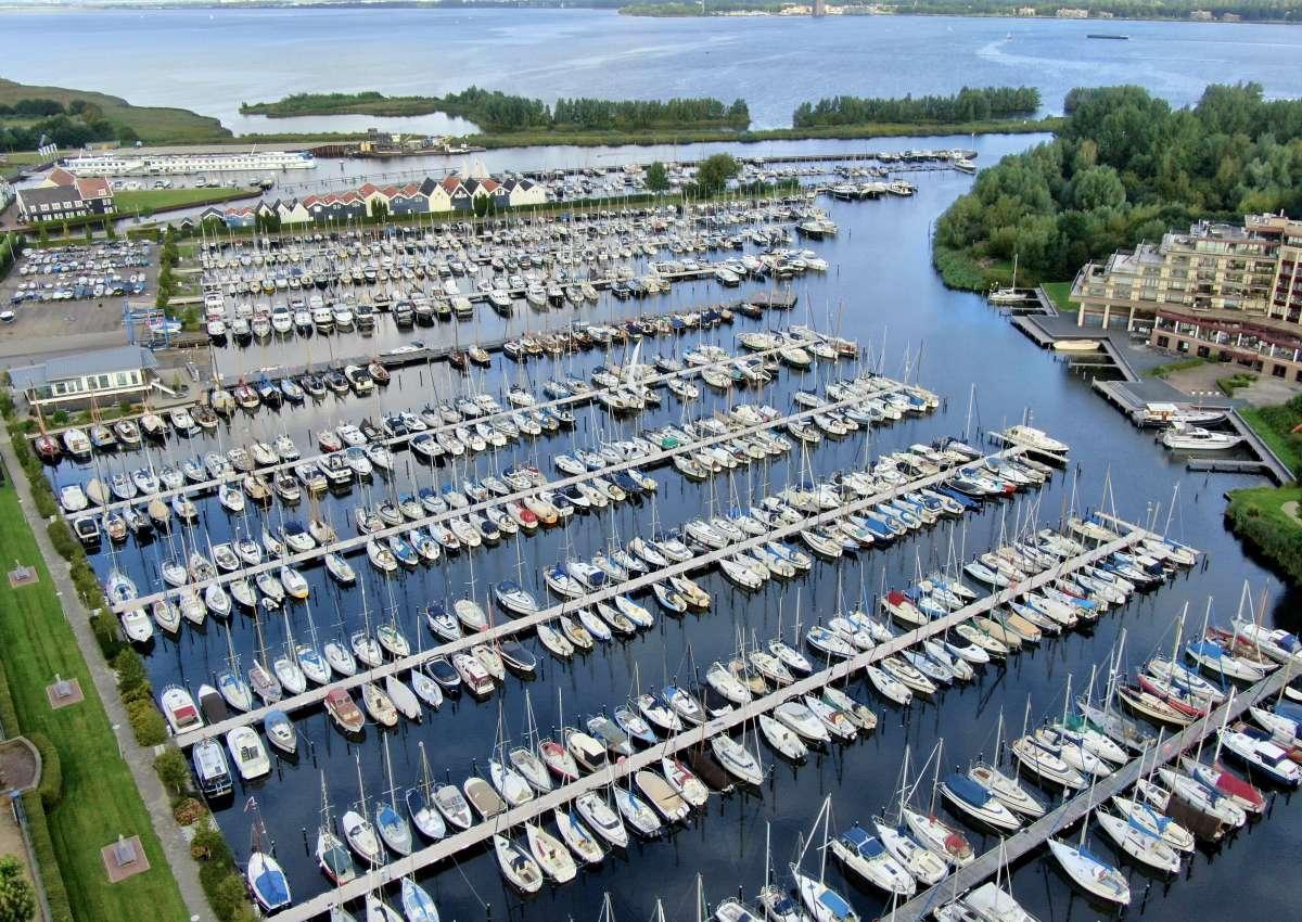 Stichting Jachthaven Huizen 't Huizerhoofd - Marina near Huizen