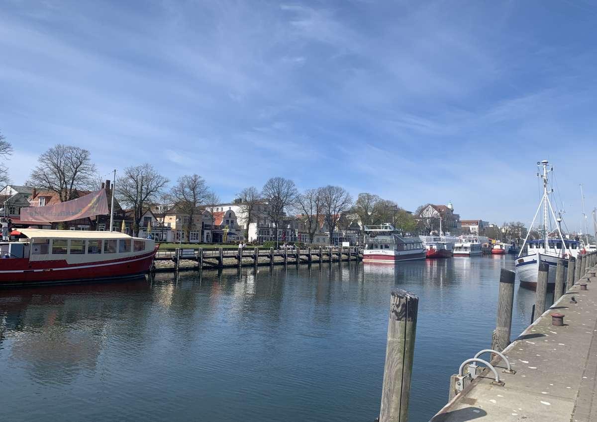 Warnemünde Alter Strom - Marina près de Rostock (Warnemünde)