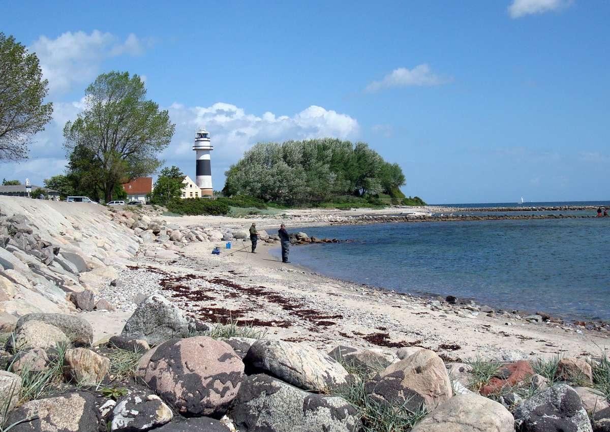 Bülk Leuchtturm Sichtbarkeit eingeschränkt - Navinfo bei Strande