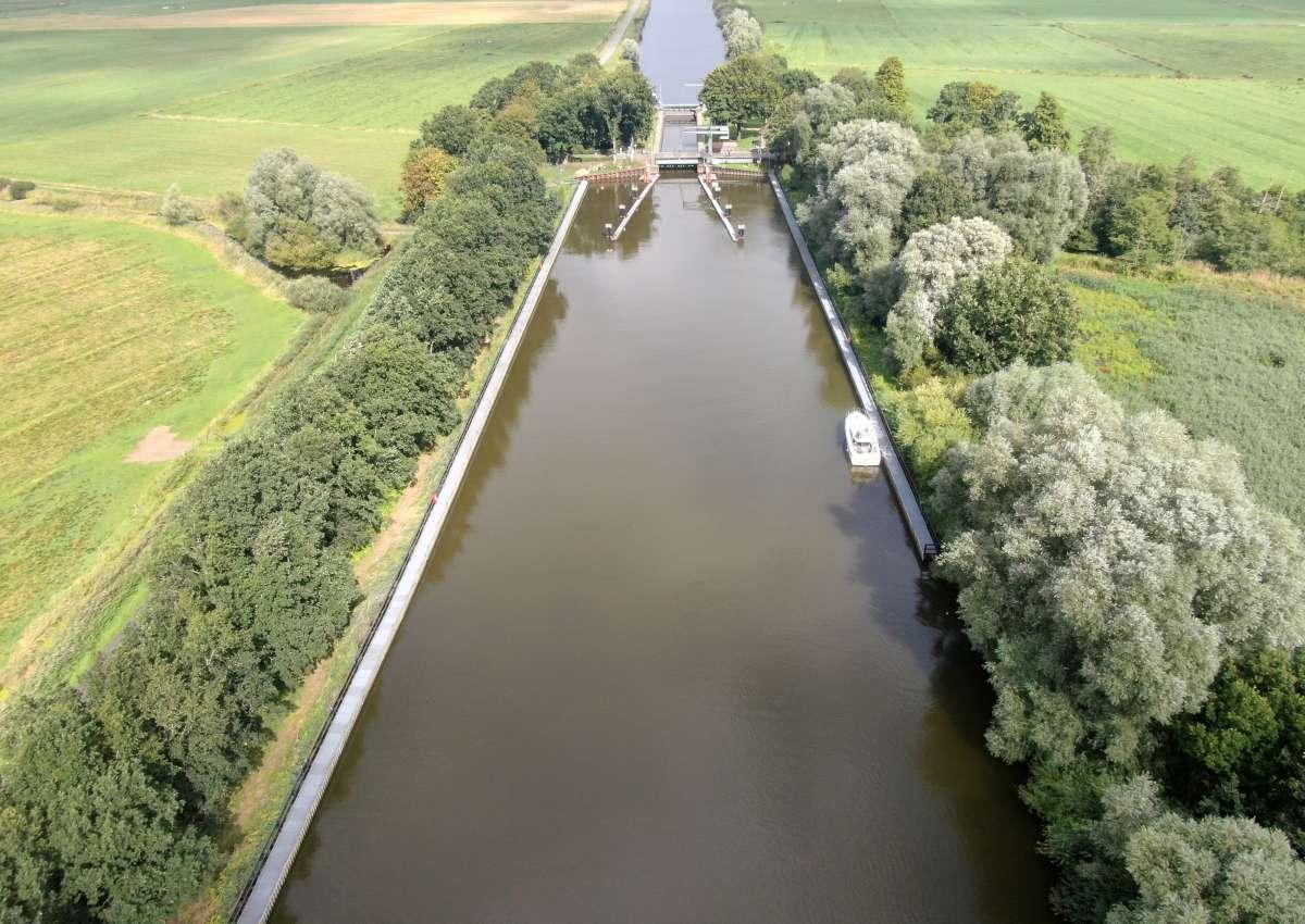 Schleusensignal am Gieselaukanal - Navinfo bei Oldenbüttel