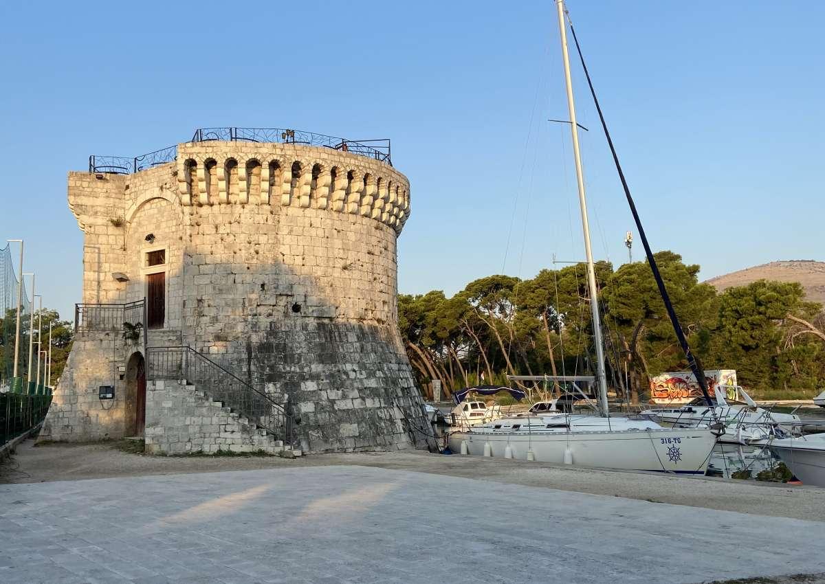 Festungsanlage - Foto près de Trogir (Balan)