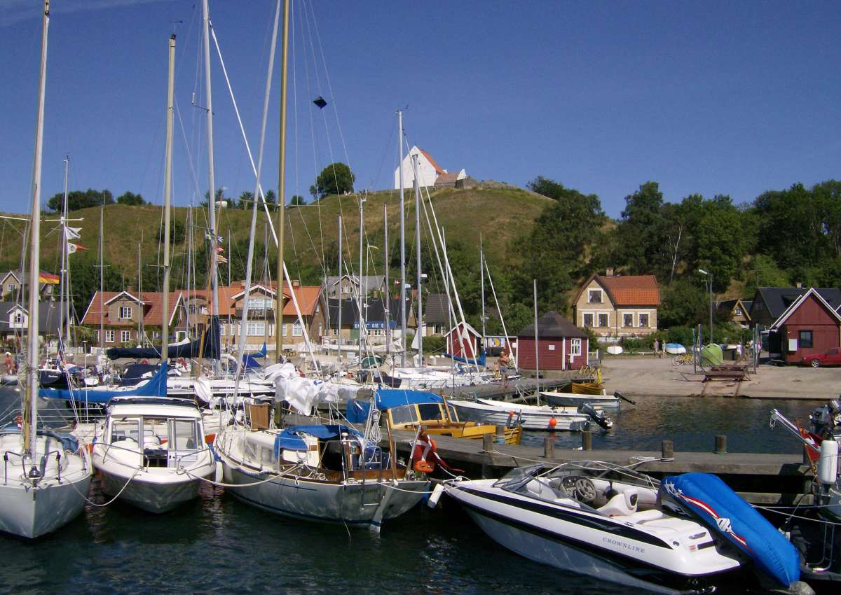 Kyrkbacken - Marina near Tuna