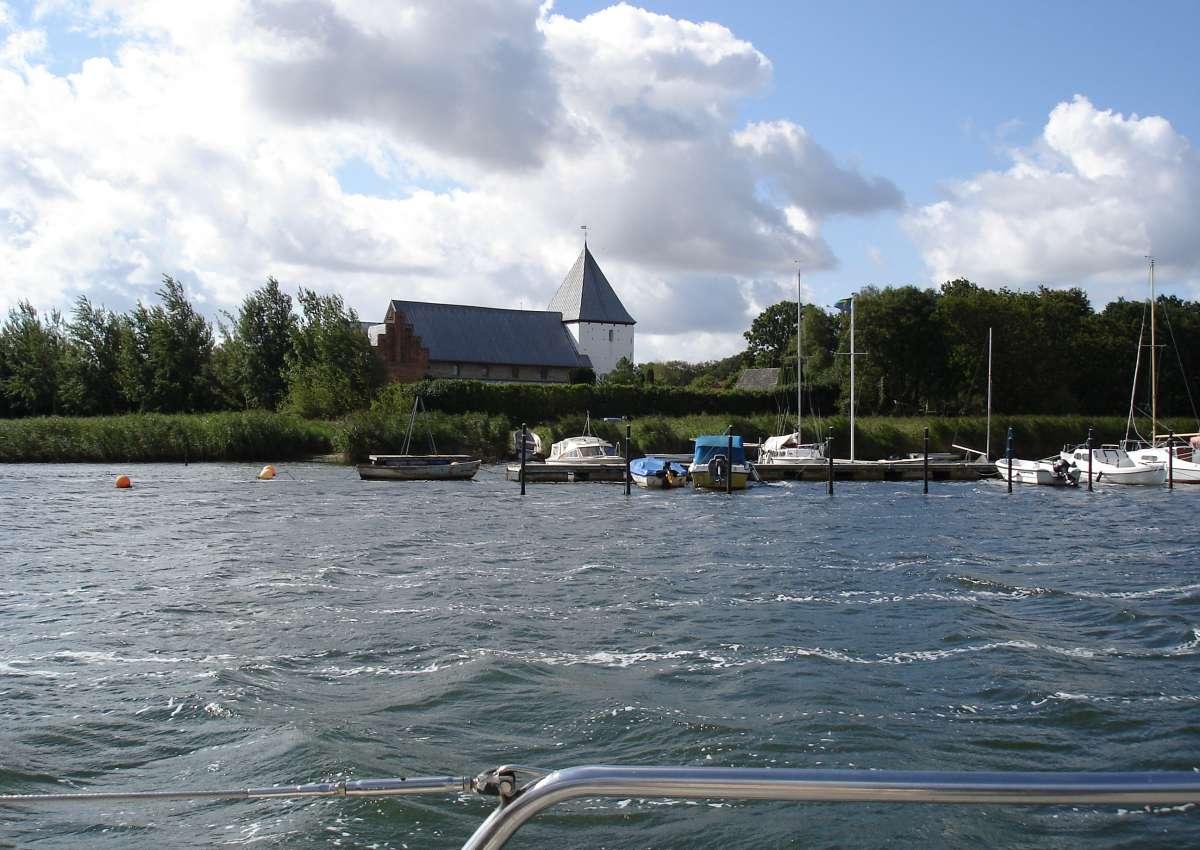 Kirche und Steganlage Haderslev - Foto bei Starup