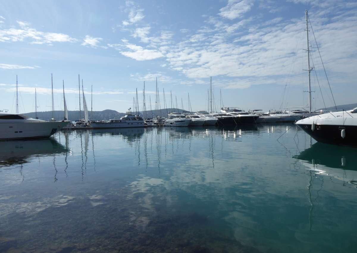 Marina Baotic - Trogir - Seget Donji - Marina près de Seget Donji (Balan)