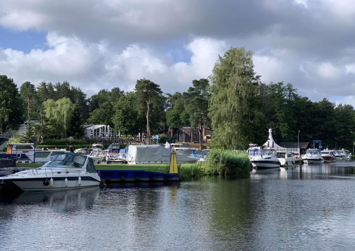 Marina Havelbaude - Hafen bei Hohen Neuendorf