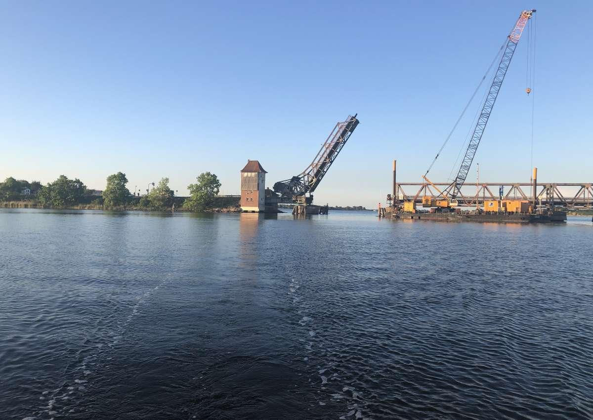 Lindaunis Brücke/ Bridge - Navinfo bei Boren